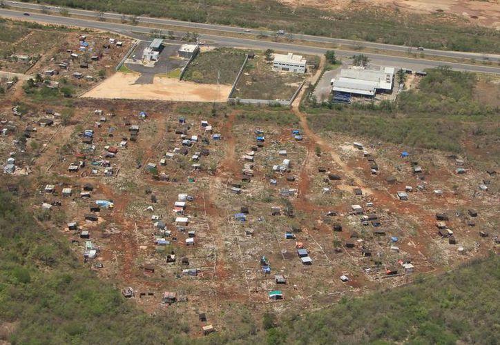 En la zona limítrofe entre Mérida y Umán se construyen viviendas sin regularización. (José Acosta/SIPSE)