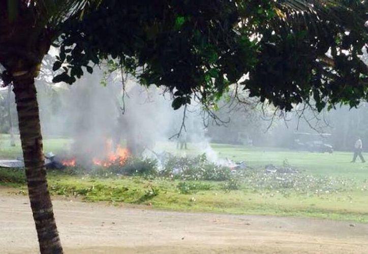 La avioneta viajaba hacia la península de Samaná y se estrelló en un campo del golf adyacente a una zona residencial. (arecoa.com)