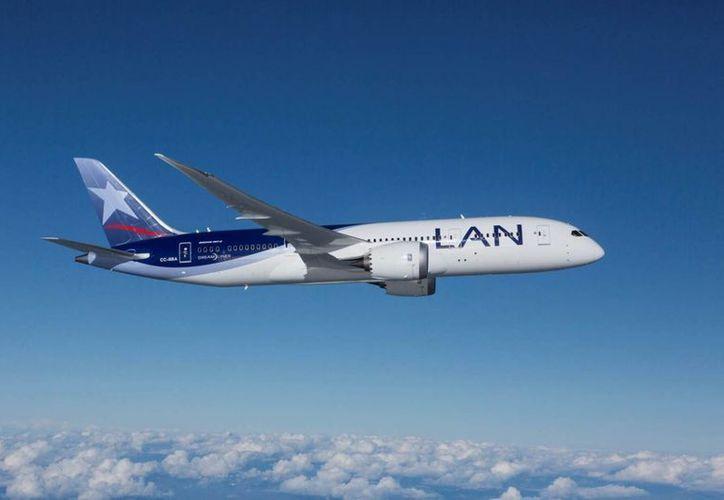 La decisión de la aerolínea chilena LATAM se sumó a una similar anunciada el fin de semana por la aerolínea alemana Lufthansa. (Agencias/Archivo)