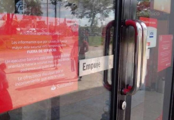 Los bancos mantendrán sus horarios de atención. (Archivo/SIPSE)