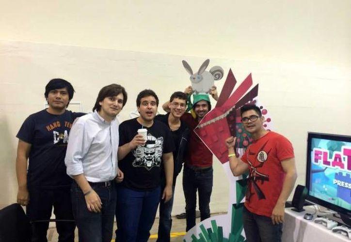 Integrantes del estudio Fat Panda, creadores del videojuego Flat Kingdom. (Milenio Novedades)