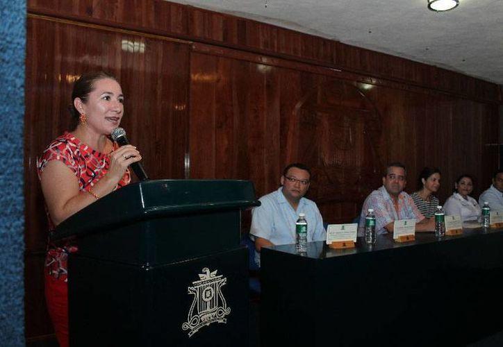 La coordinadora de la Unidad Académica, Erika Leticia Alonso Flores, dio un mensaje de bienvenida. (Cortesía/Uqroo)