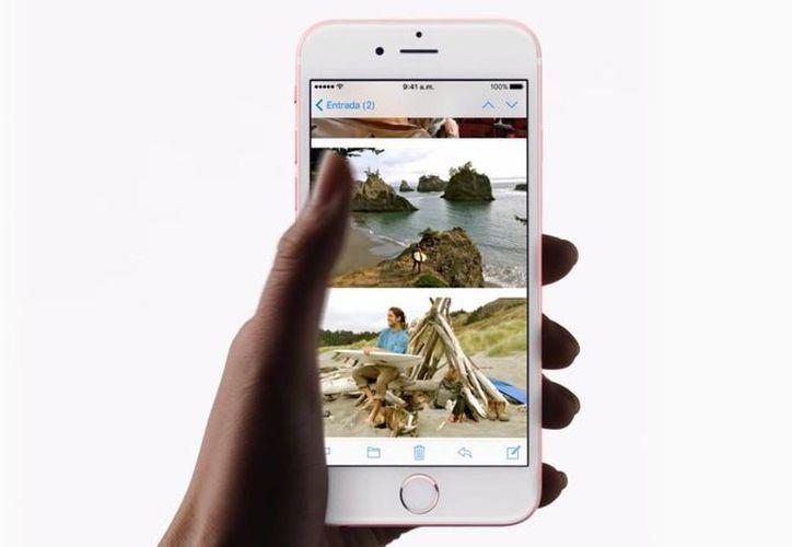 Apple lanzó hace unas semanas el iPhone 6s, el cual rompió récord de ventas en unos cuantos días. (Apple.com)
