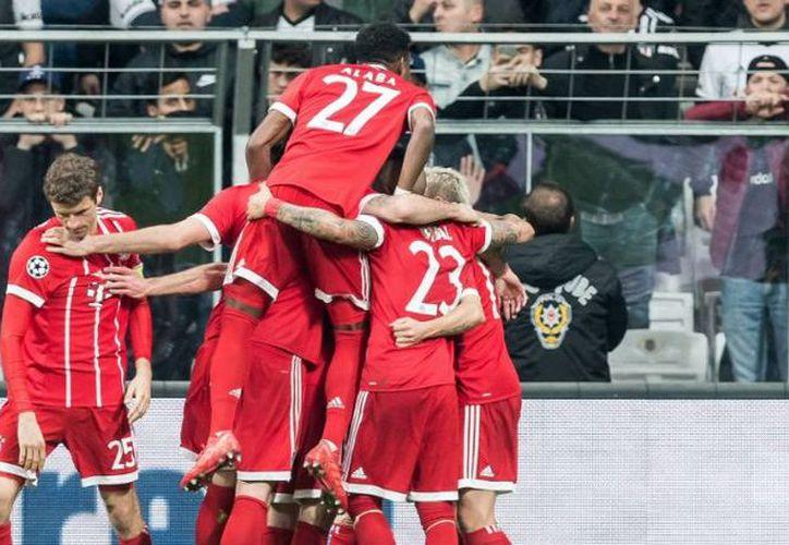 El primer tiempo culminó con Bayern Munich al frente. (Twitter)