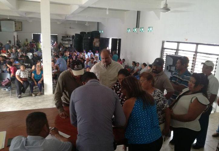 Este domingo ejidatarios de Pucté votaron en contra de la construcción de una fosa común en sus tierras. (Carlos Castillo/SIPSE)