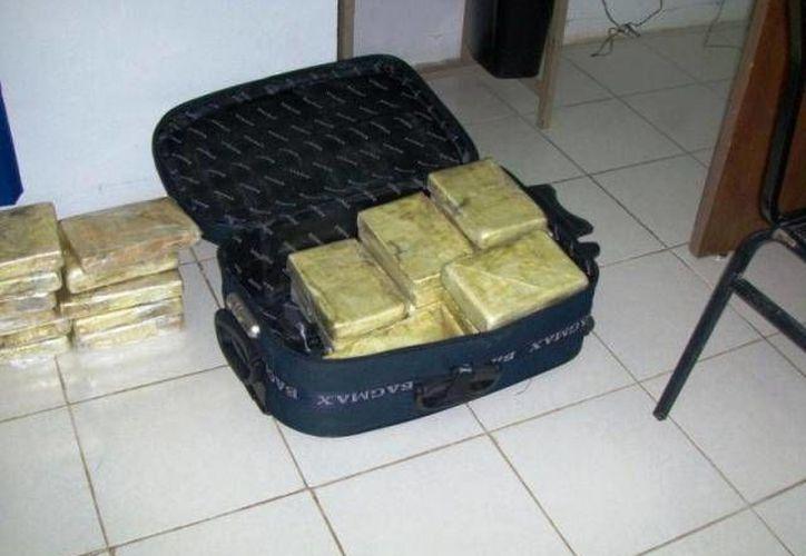 """La mexicana venía """"cargada"""" con 68 kilos de drogas como cocaína,  metanfetaminas y heroína. (Archivo Sipse)"""