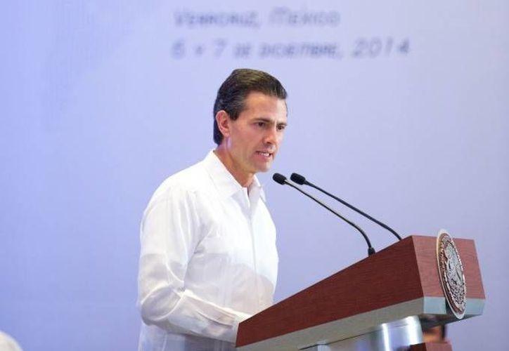 Peña Nieto dio la bienvenida a los 22 jefes de Estado que asisten a la Cumbre Iberoamericana. (Presidencia)