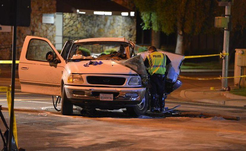 Testigos indican que un conductor involucrado en el siniestro iba a exceso de velocidad y hablando por teléfono. (Agencias)