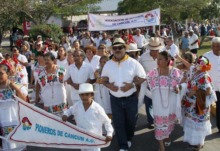 El edil, Julián Ricalde Magaña, encabezó el acto conmemorativo. (Redacción/SIPSE)