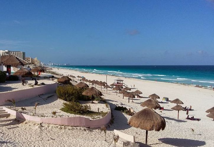 El destino turístico ofrece playas, cultura y entretenimientos. (Israel Leal/SIPSE)