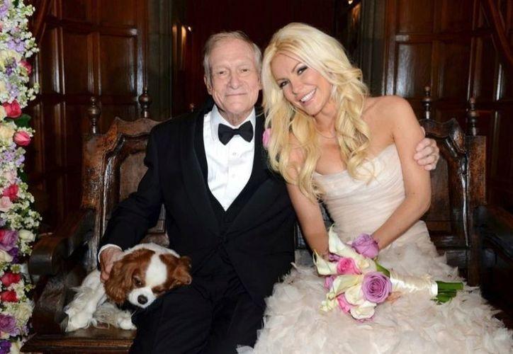 Hugh Hefner y Crystal Harris se casaron en la víspera de Año Nuevo en la Mansión Playboy. (Agencias)