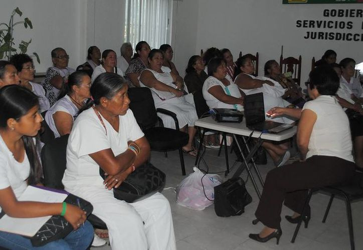 Participaron 88 parteras empíricas de Benito Juárez, Isla Mujeres, Solidaridad, Lázaro Cárdenas, Cozumel y Tulum. (Redacción/SIPSE)