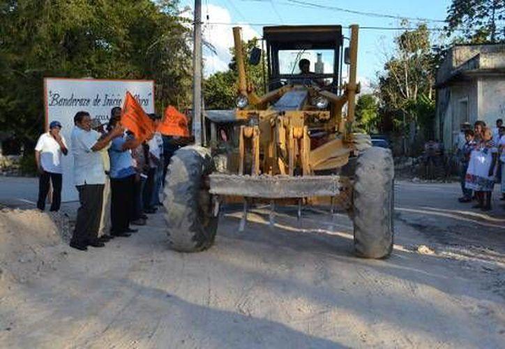 La construcción de carreteras representa una inversión total de 1 millón 974 mil 433 pesos. (Redacción/SIPSE)