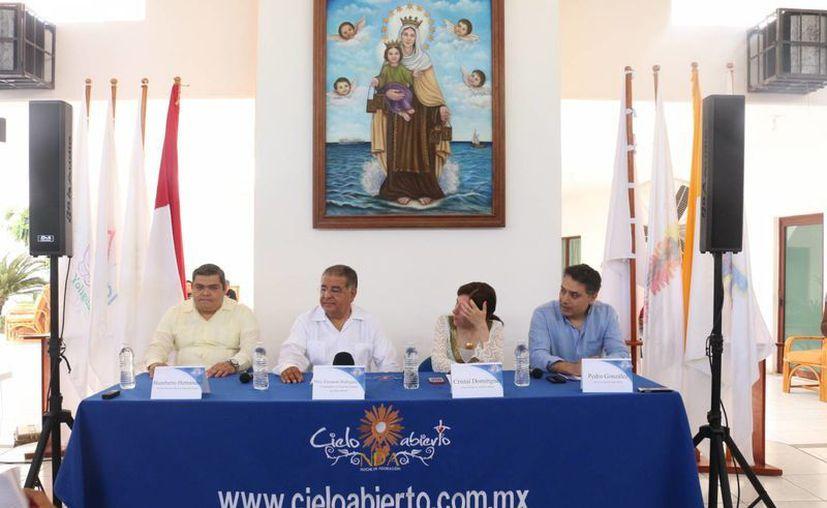 En rueda de prensa se anunció que este 14 de marzo se realizará el evento religioso musical, 'A Cielo Abierto' (Adrián Barreto/SIPSE)