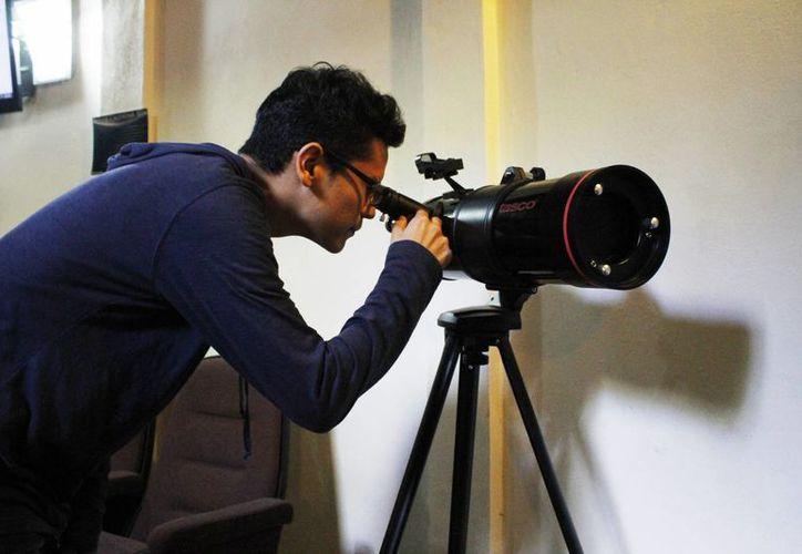 Escuelas primarias en las zonas rurales y urbanas serán beneficiadas con telescopios. (Yajahira Valtierra/SIPSE)
