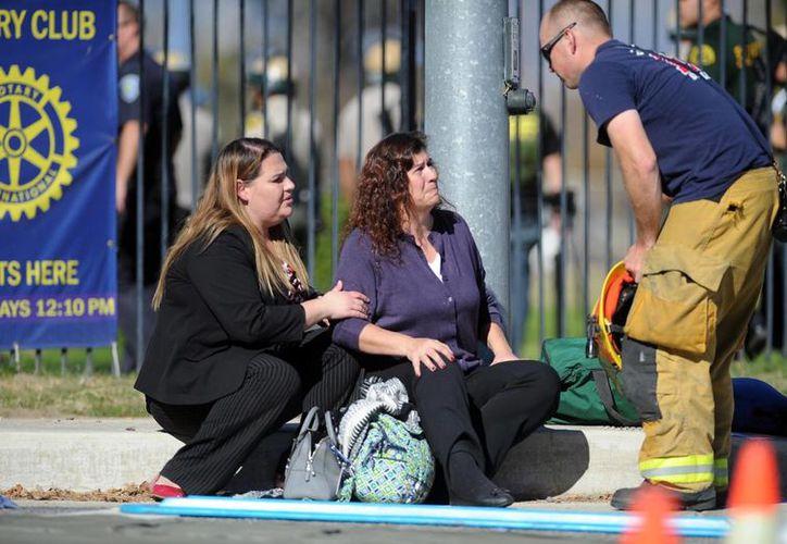 Al menos unas 14 personas resultaron lesionadas durante el tiroteo registrado en San Bernardino, California, este miércoles. (AP)