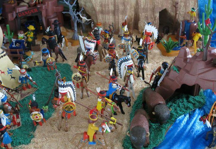 Una selección de juguetes Playmobil, creados en 1974, formarán de este fin de semana parte de una exposición en el Museo del Juguete Antiguo en México. (Foto: AP)