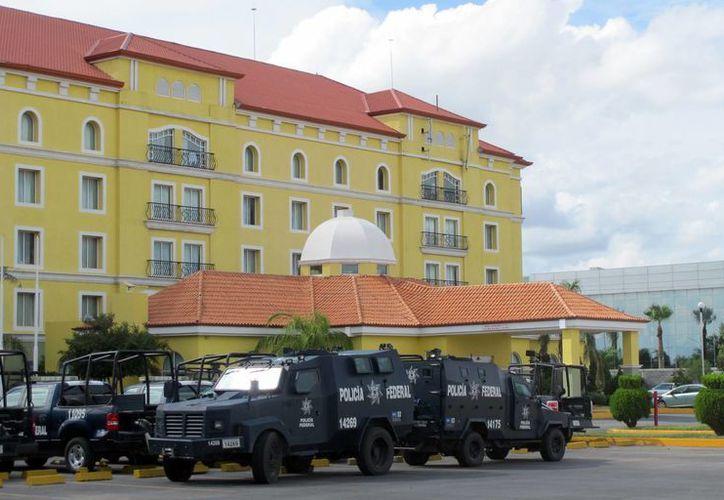 Movilización de policías federales en Nuevo Laredo, Tamaulipas, tras la captura de El Z-40. (Agencias)