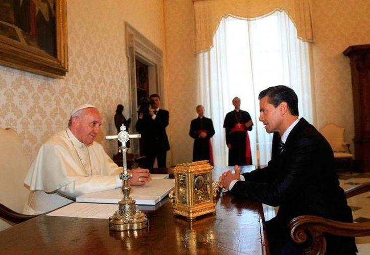 El Papa Francisco se comprometió con el presidente, Enrique Peña Nieto, a visitar nuestro país, pero todavía no hay fecha para el encuentro en México. (presidencia.gob.mx)