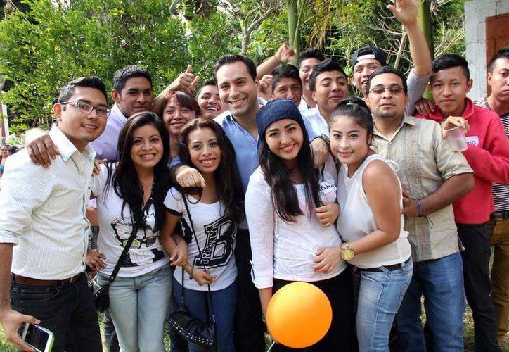 Jóvenes del PAN manifestaron su apoyo a Mauricio Vila. (Milenio Novedades)