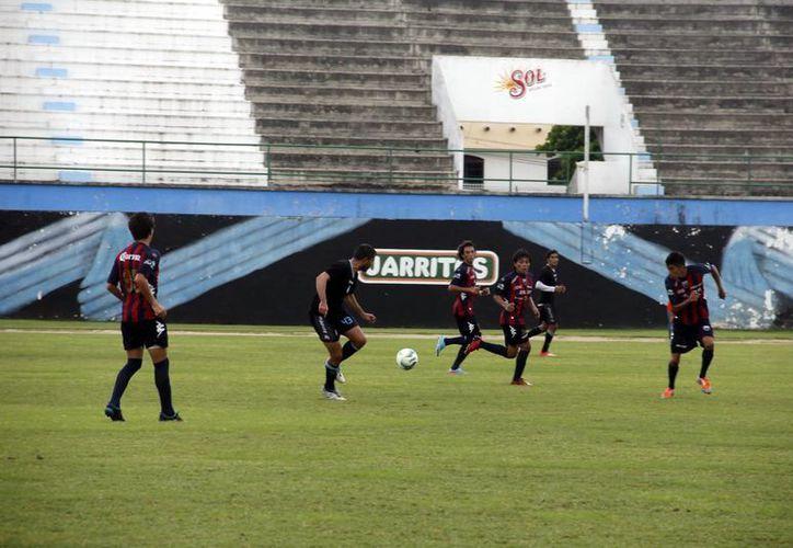 EL CF Mérida, en el interescuadras ante Atlante Sub-20. (Milenio Novedades)
