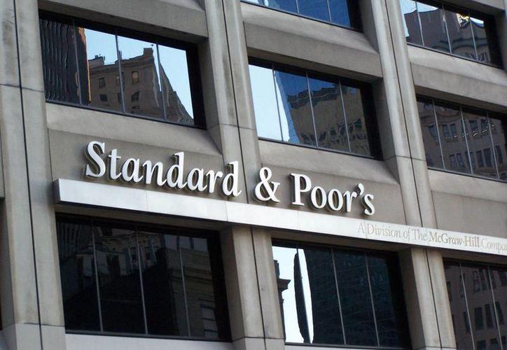 La calificación de Standard &Poor's a la deuda de México favorece al gobierno federal y la iniciativa privada. (elperiodico.com.gt)