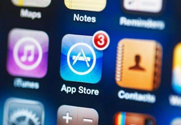 Apple suele ajustar los precios de sus aplicaciones con las variaciones del dólar. (Archivo/AP)