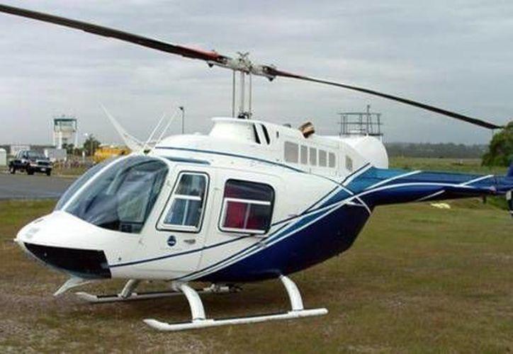 Modelo del helicóptero civil Bell 206, similar al accidentado en Chile con cuatro ocupantes. (Foto: Fuerza Aérea de Chile/www.telesurtv.net)