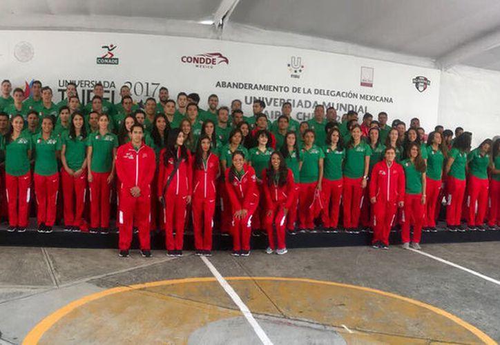 Delegación de deportistas mexicanos que viajó a Taipéi para poner en alto al país. (Contexto/Internet)