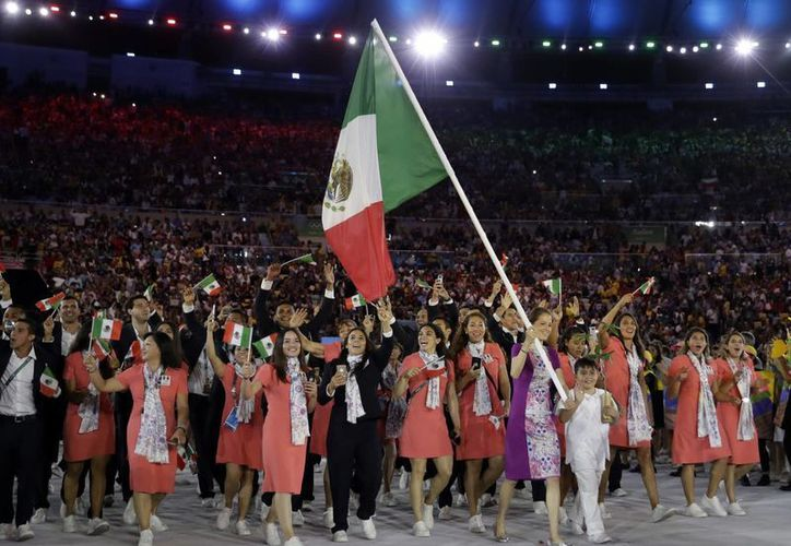 México tiene poco más de una semana para conseguir una medalla olímpica en Río 2016.(David J. Phillip/AP)