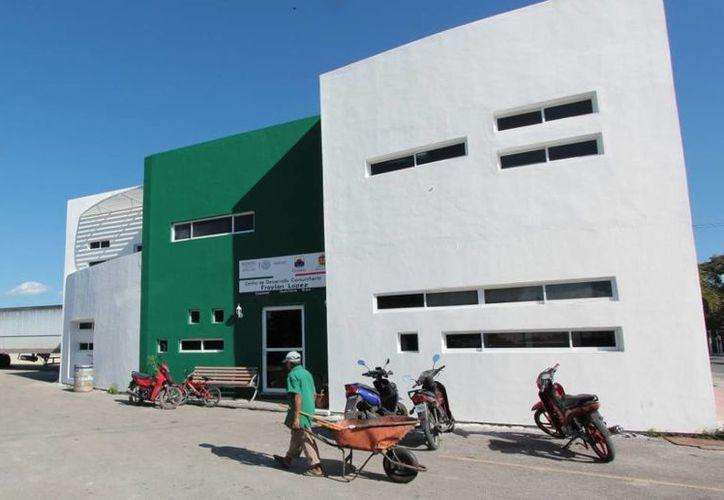 Las oficinas de Desarrollo Social son por el momento las de la dirección de Salud, a un costado de la Unidad Deportiva Bicentenario. (Gustavo Villegas/SIPSE)