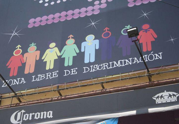 Cibercafes en toda la ciudad ofrecen el servicio de cabinas privadas donde se dan muchos encuentros sexuales, así como discotecas donde el sexo siempre está presente. (Redacción/SIPSE)