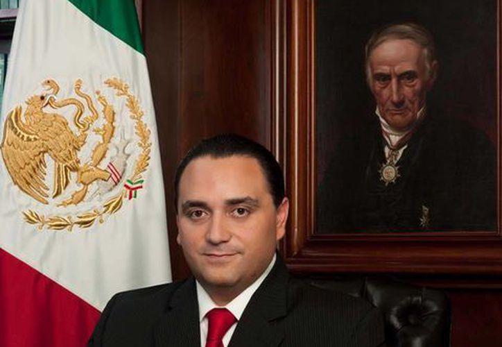 El gobernador Roberto Borge, pondrá en marcha el proceso para implementar la reforma educativa en el plazo establecido: marzo de 2014. (Redacción/SIPSE)