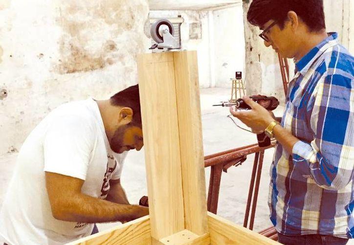 Jóvenes yucatecos desarrollan prototipos con patrocinios de nuevas empresas mexicanas que fabrican maquinaria.. (Milenio Novedades)