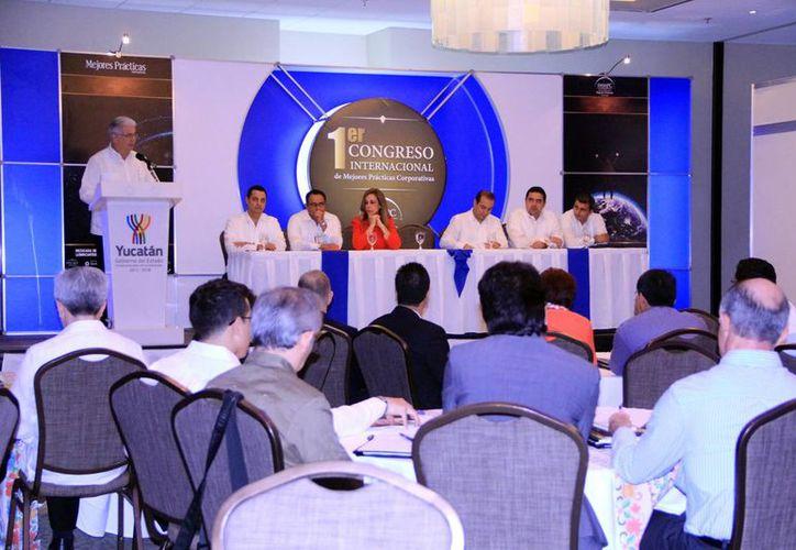 En el congreso participan decenas de empresarios de los estados peninsulares. (Milenio Novedades)