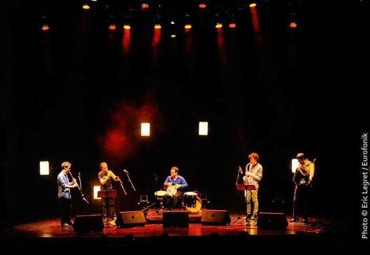 Alianza Francesa invita a un concierto de música improvisada y llena de vida en conocido bar del Centro Histórico. (Milenio Novedades)