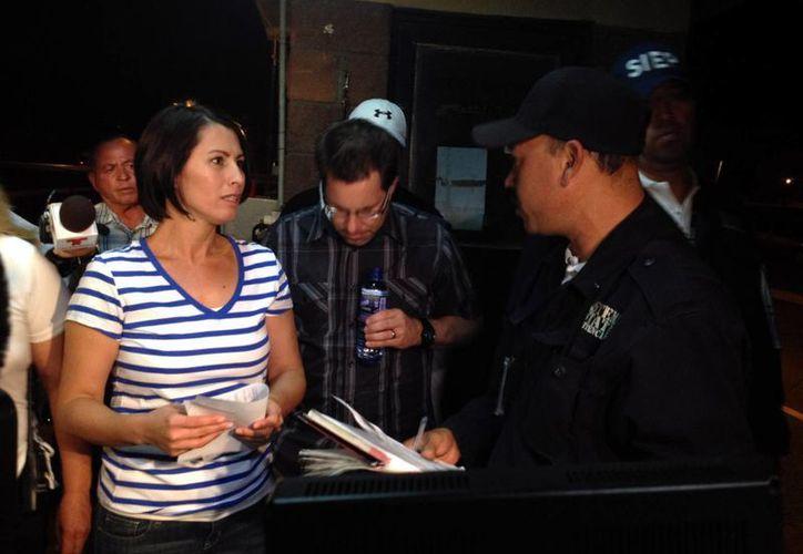 Yanira Maldonado y su marido Gary abandonaron el país dejando atrás el mal rato que les hicieron pasar. (Agencias)