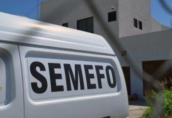 Los cuerpos fueron trasladados a las instalaciones del Servicio Médico Forense (Semefo). (agenciainformativaguerrero.com)