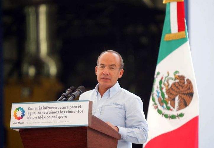 El movimiento afirma que Calderón se va como 'un traidor a la patria'. (Notimex)