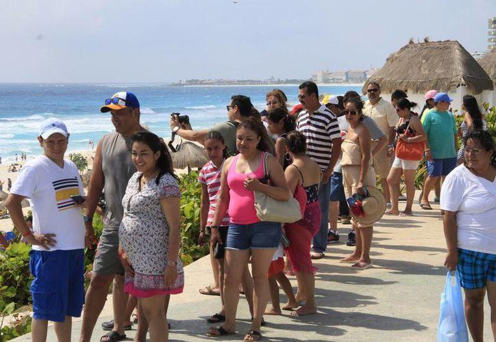 Incrementa el arribo de turistas en este destino turístico por vacaciones de Semana Santa. (Tomás Álvarez/SIPSE)