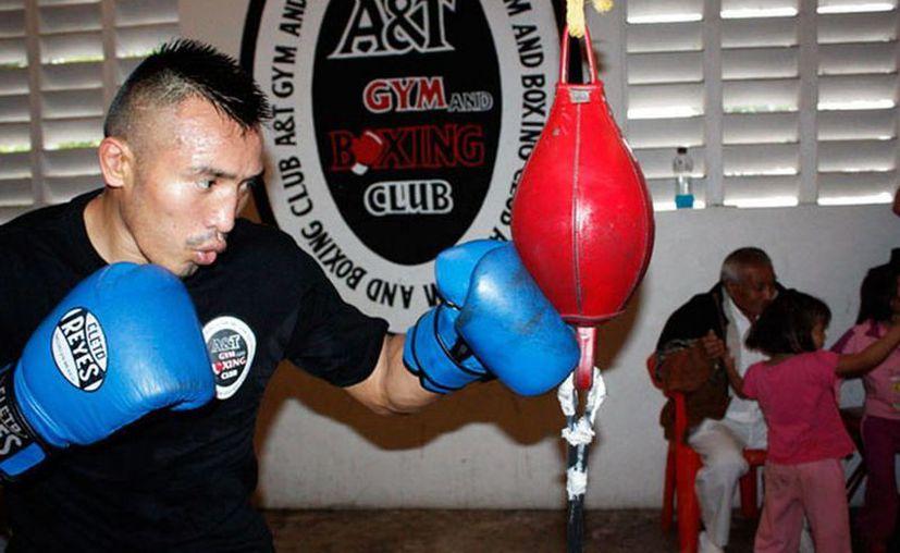 El púgil yucatecoi se prepara para el combate con la 'Zorrita' Soto este 9 de febrero. (idey.gob.mx)