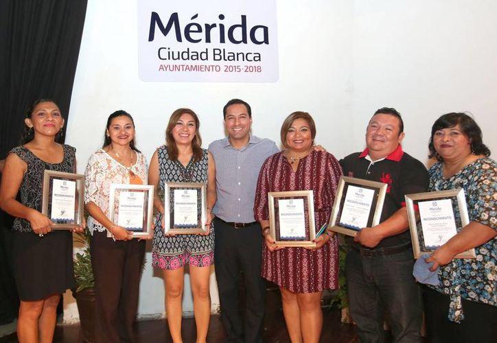 En el 15 Aniversario del Instituto de la Mujer, el alcalde Mauricio Vila anunció nuevas acciones para empoderar a las mujeres. (Foto cortesía del Ayuntamiento)