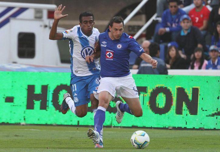 Cruz Azul vapuleó al Puebla. (Notimex)