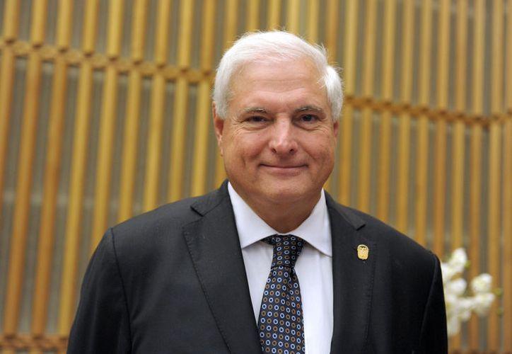 El ex mandatario fue arrestado cerca de su casa en Coral Gables, Florida. Está acusado de corrupción y de espiar a adversarios en Panamá. (López Dóriga Digital)