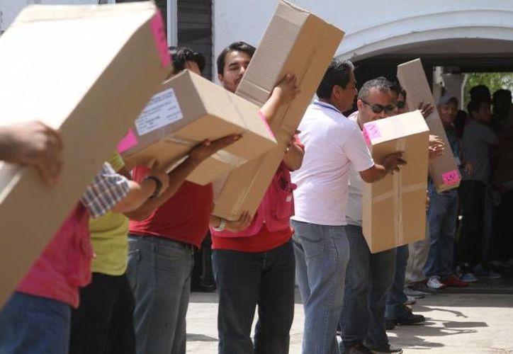 Los paquetes electorales para los comicios de Alcalde de Mérida y diputados locales fueron entregados a los presidentes de las mesas directivas. Imagen de contexto. (Archivo/SIPSE)