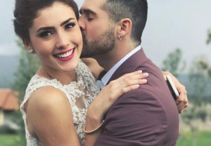 José Ron y su novia Daniela Álvarez rompieron el silencio tras los rumores de violencia. (Instagram)
