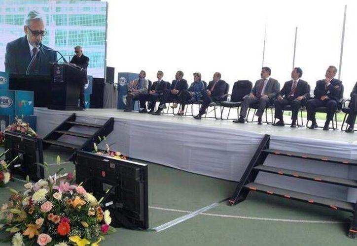 Jesús Martínez (i) en la presentación de Fox Sportos como nueva televisora del Pachuca. (@tuzos)
