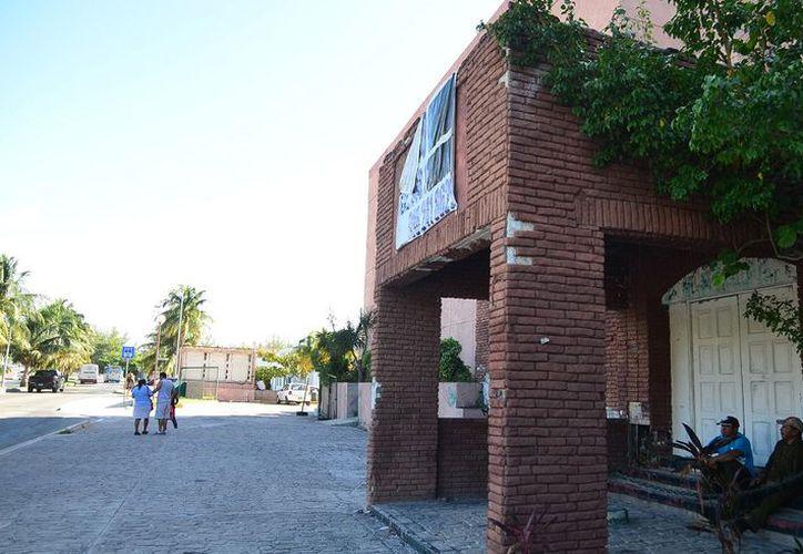 La 'Discoteca La Boom', el hotel 'El Pueblito', plaza 'Zócalo', 'Néctar Bar' y 'Basic', son los sitios que aún están en condiciones de abandono. (Karim Moisés/SIPSE)