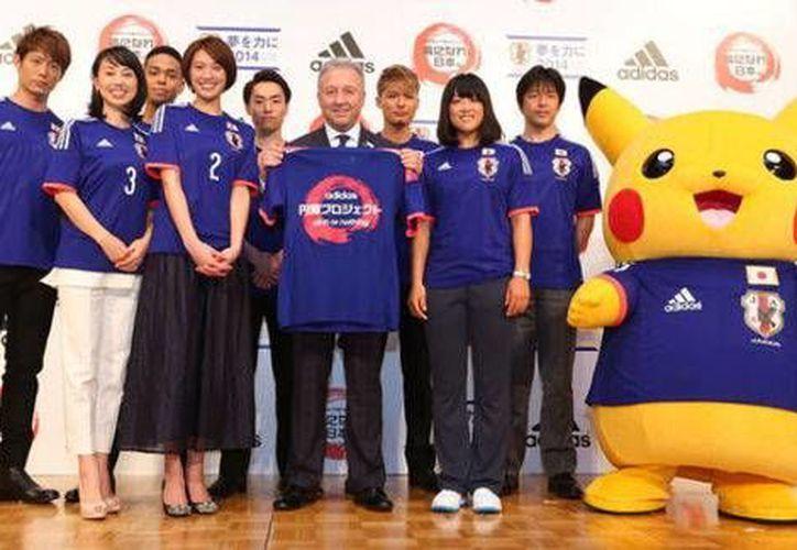 Además del popular Pikachu, otros Pokemon estarán representando a Japón en el Mundial de Brasil, al menos en el aspecto comercial. (Milenio/Foto especial)