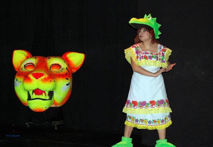 Chepita Kakatúa en una escena de la obra. (Wilberth Argüelles/SIPSE)